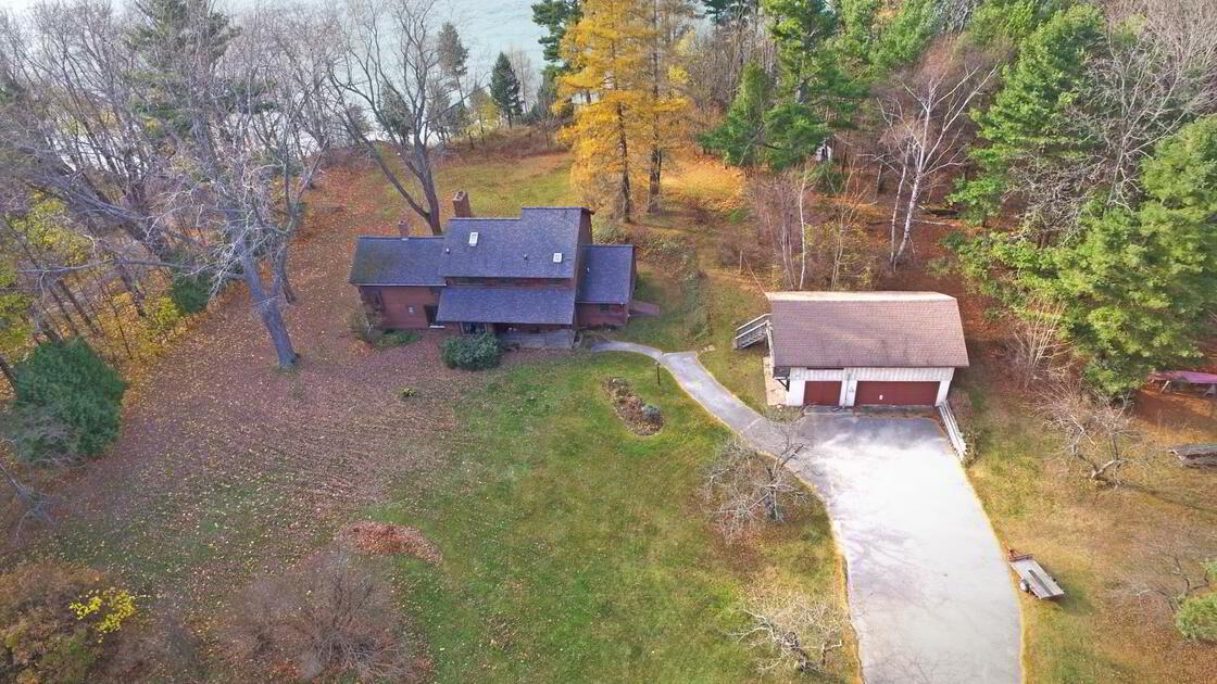 Modern Farmhouse Driveway